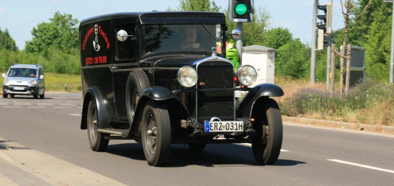 """Internationales Jahrestreffen der Alt Opel IG - """"Gebläsehalle"""" in Lehrte/Groß-Ilsede"""